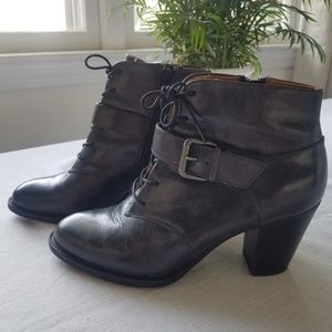 Sofft Black Leather Vintage Look Ankle Boots EUC